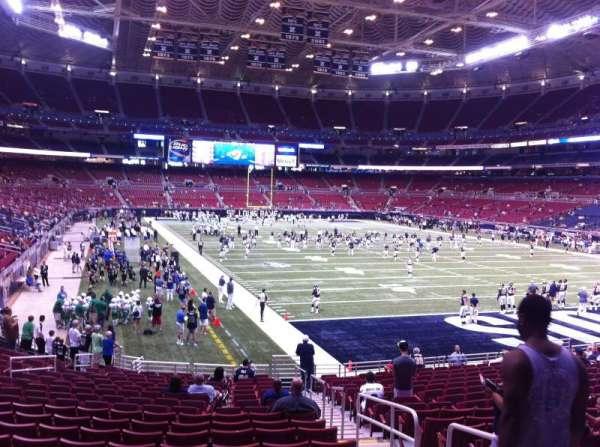 The Dome at America's Center, vak: 132, rij: U, stoel: 2