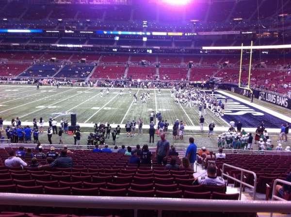 The Dome at America's Center, vak: 138, rij: U, stoel: 2