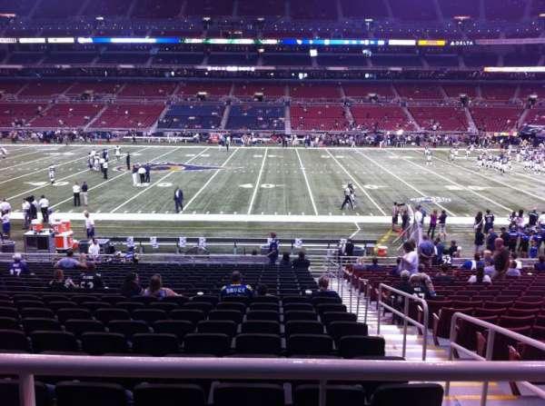 The Dome at America's Center, vak: 140, rij: U, stoel: 2