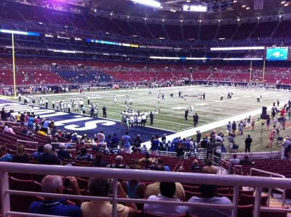 The Dome at America's Center, vak: 151, rij: U, stoel: 2
