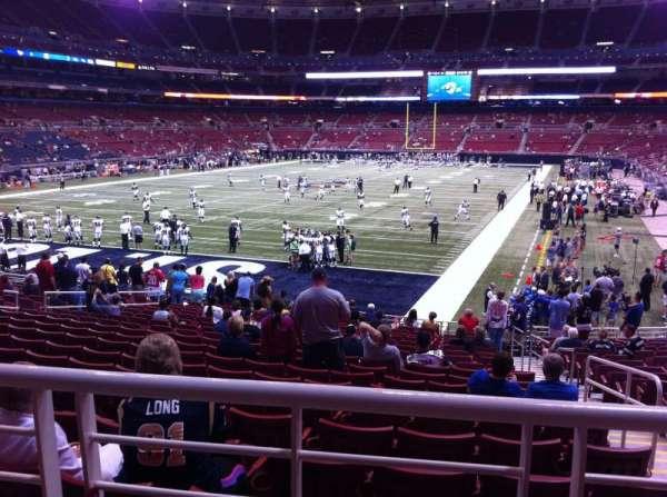 The Dome at America's Center, vak: 152, rij: U, stoel: 2