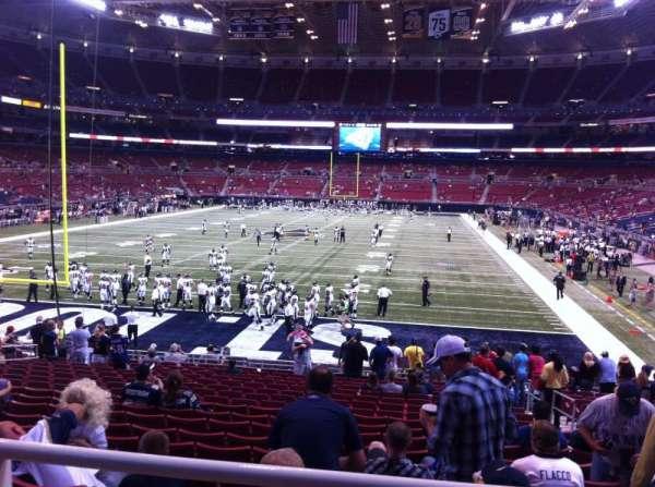 The Dome at America's Center, vak: 153, rij: U, stoel: 2