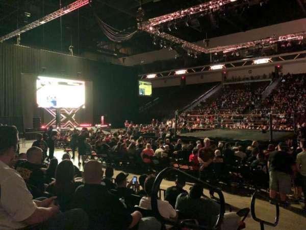 Orleans Arena, vak: 114, rij: EE, stoel: 1