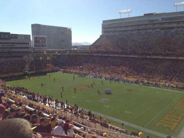 Sun Devil Stadium, vak: 235, rij: 10, stoel: 5