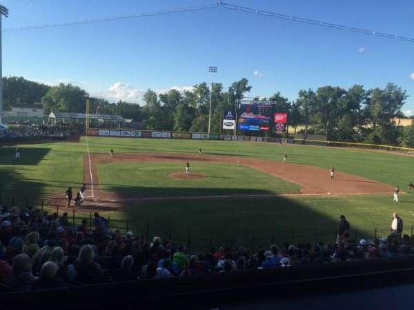 Jimmy John's Field, vak: 102, rij: 14, stoel: 9