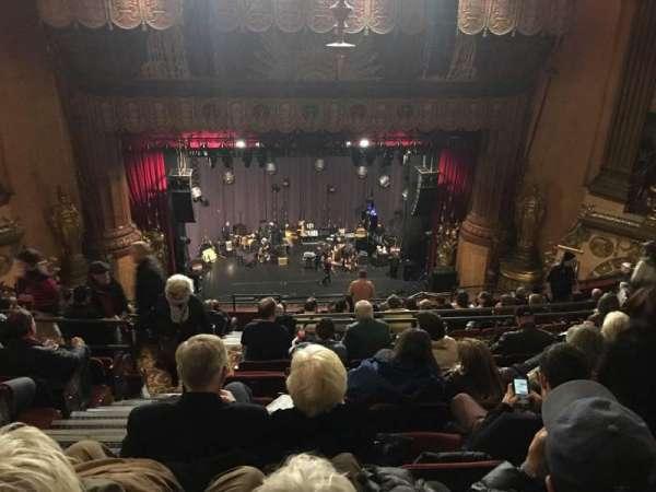 Beacon Theatre, vak: Upper Balcony C, rij: L, stoel: 102