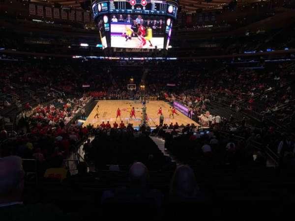 Madison Square Garden, vak: 102, rij: 16, stoel: 6