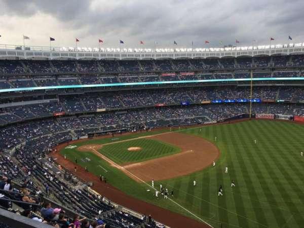 Yankee Stadium, vak: 415, rij: 8, stoel: 9