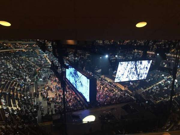 Madison Square Garden, vak: 415, rij: 4, stoel: 15