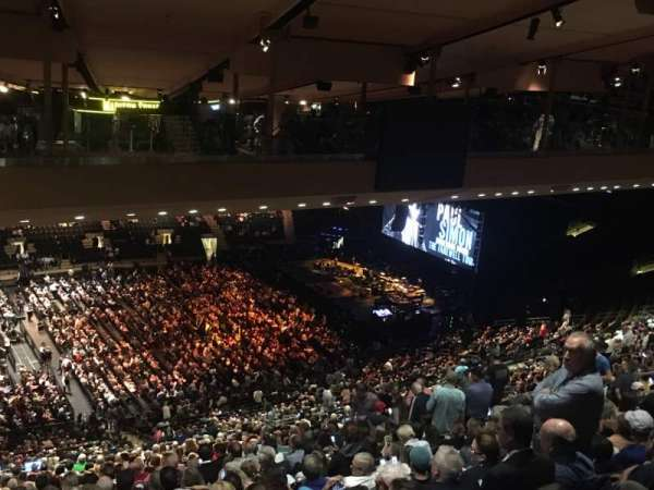 Madison Square Garden, vak: 210, rij: B25, stoel: 1