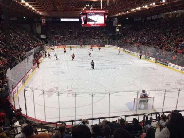 Floyd L. Maines Veterans Memorial Arena, vak: 9, rij: H, stoel: 2
