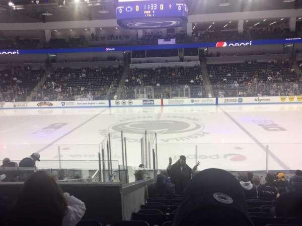 Pegula Ice Arena, vak: 110, rij: N, stoel: 10