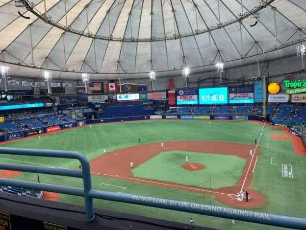 Tropicana Field, vak: 305, rij: B, stoel: 3