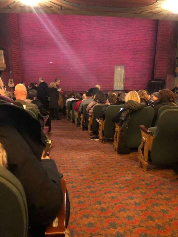 Shubert Theatre, vak: Orch, rij: R, stoel: 1