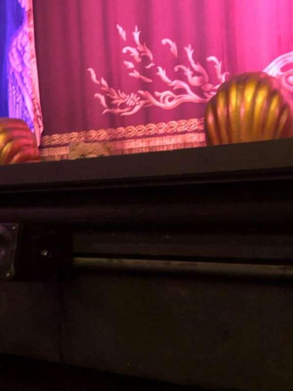 Hudson Theatre, vak: Orch, rij: A, stoel: 104