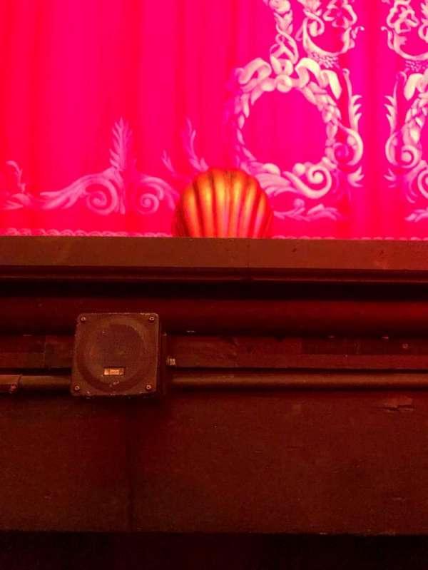 Hudson Theatre, vak: Orch, rij: A, stoel: 105