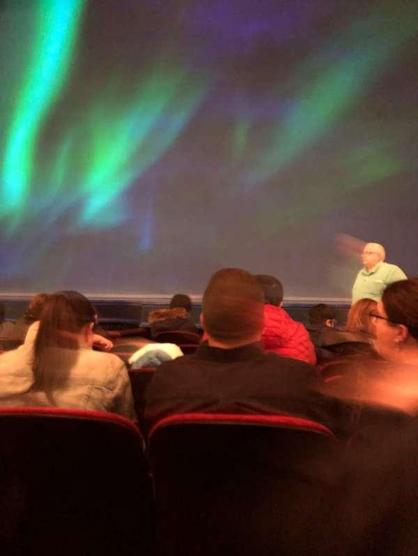 St. James Theatre, vak: Orch, rij: F, stoel: 103