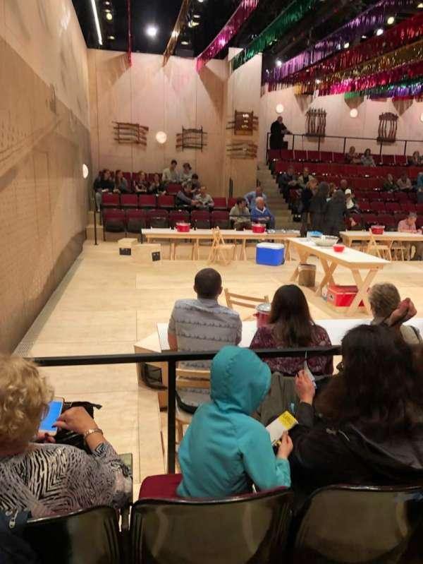 Circle in the Square Theatre, vak: Orch, rij: D, stoel: 403
