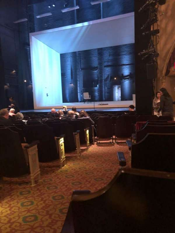 John Golden Theatre, vak: Orch, rij: M, stoel: 2