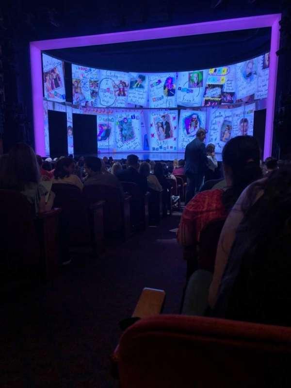 August Wilson Theatre, vak: Orch, rij: Q, stoel: 2
