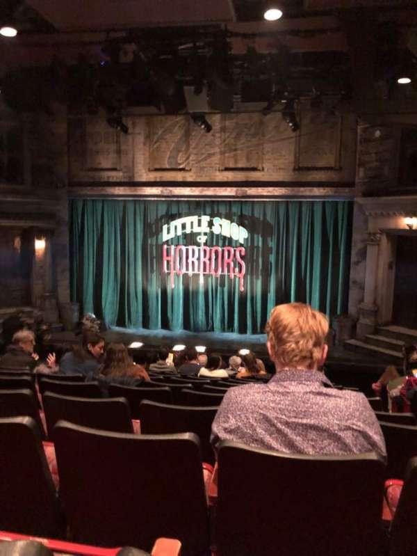 Westside Theatre, vak: Orch, rij: M, stoel: 102