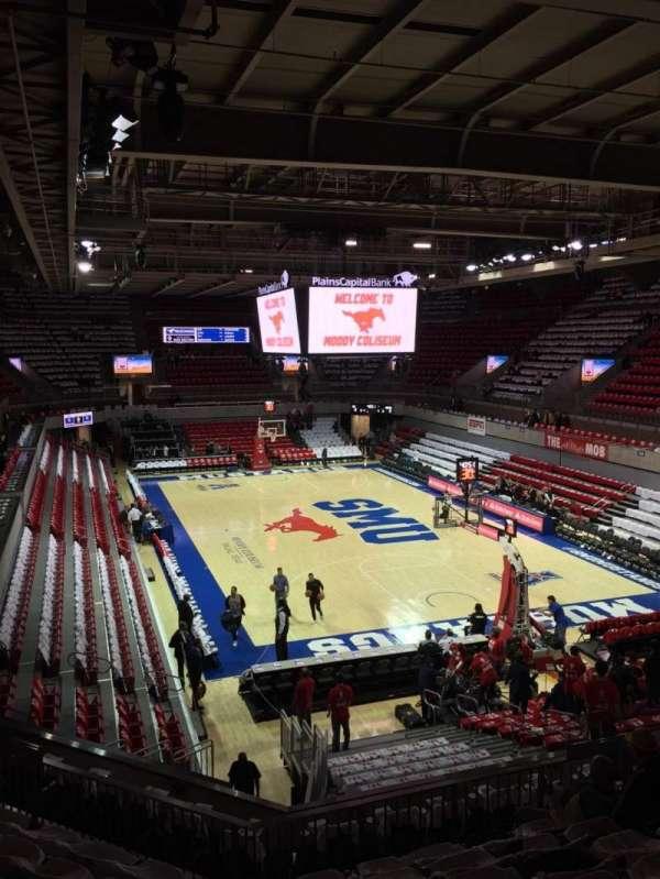 Moody Coliseum, vak: 201, rij: 8, stoel: 11
