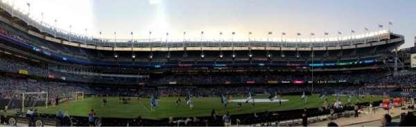 Yankee Stadium, vak: 105, rij: 4, stoel: 12