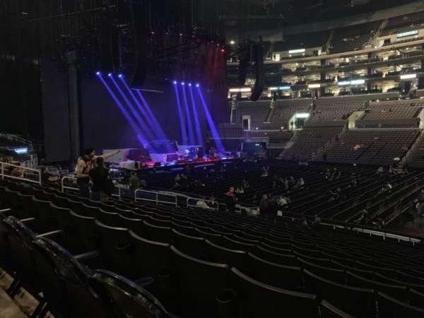 Staples Center, vak: 111, rij: 18, stoel: 3
