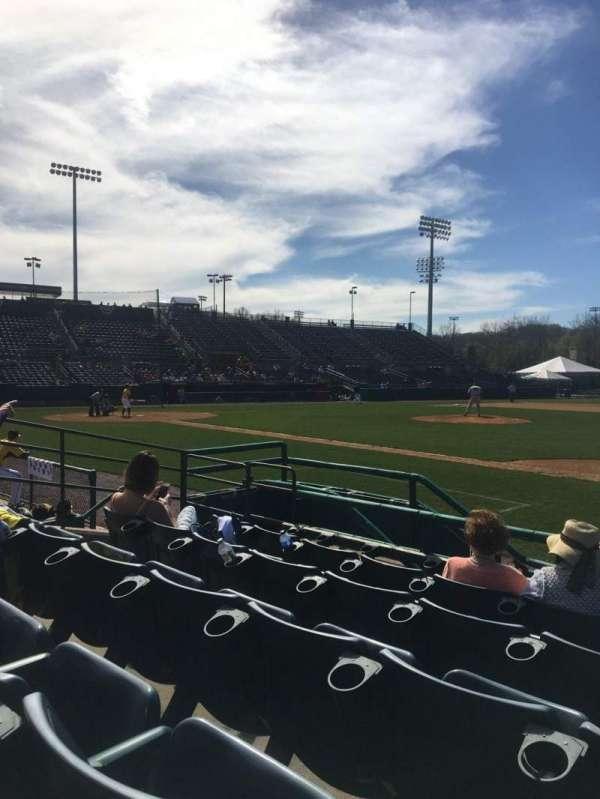 New Britain Stadium, vak: 103, rij: E, stoel: 13