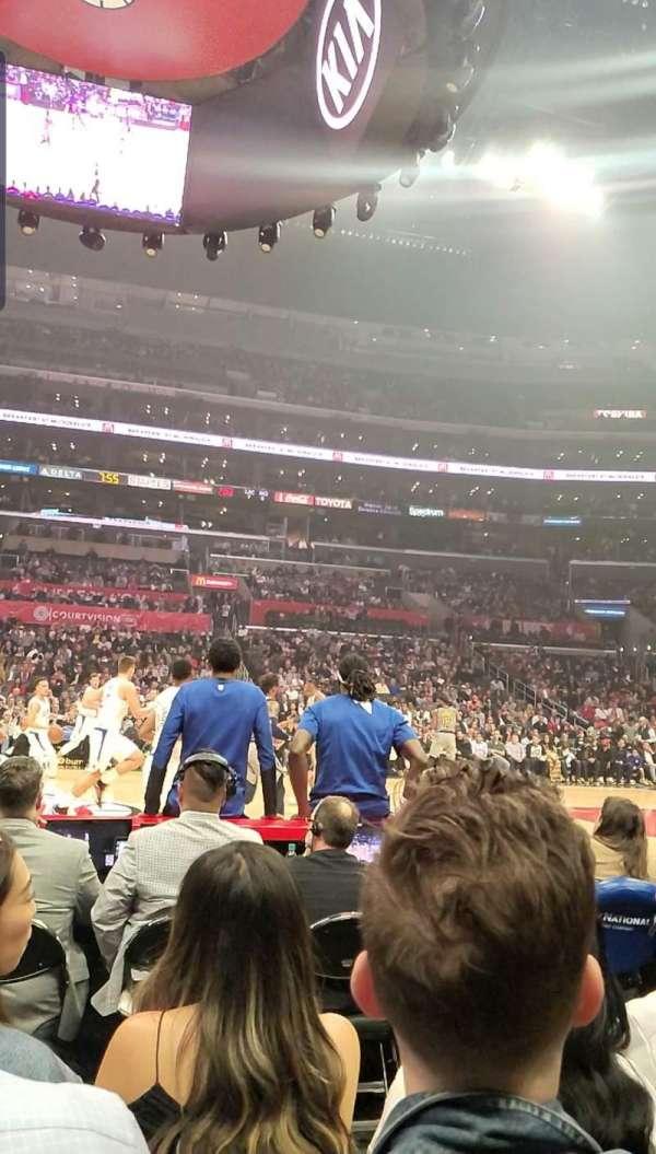 Staples Center, vak: 101, rij: 1, stoel: 9