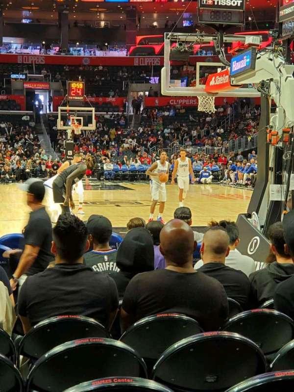 Staples Center, vak: 107, rij: J, stoel: 8