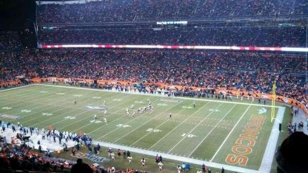 Broncos Stadium at Mile High, vak: 331, rij: 18, stoel: 5