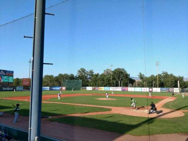 Memorial Stadium (Boise), vak: HP, rij: D, stoel: 1