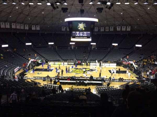 Charles Koch Arena, vak: 120, rij: 30, stoel: 6