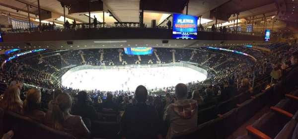 Madison Square Garden, vak: 210, rij: 20, stoel: 13