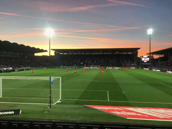 Stade Raymond Kopa, vak: Colombier D, rij: I, stoel: 30