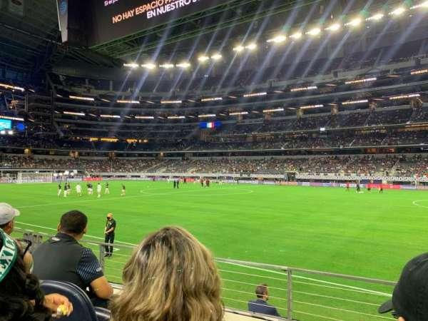 AT&T Stadium, vak: C133, rij: 4, stoel: 3