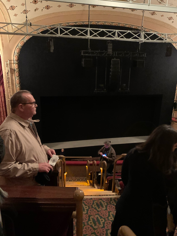 Bernard B. Jacobs Theatre Vak Mezzanine L Rij F Stoel 1