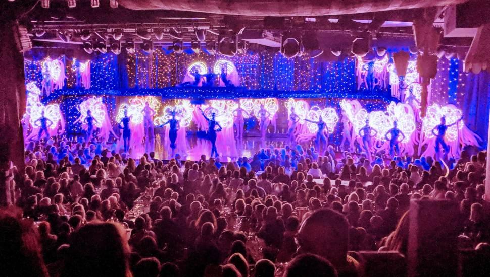 Moulin Rouge,  Vak <strong>Tribune Est</strong>, Rij <strong>11</strong>, Stoel <strong>108</strong>
