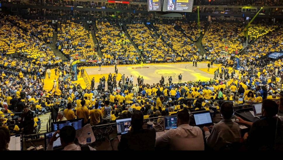 Oracle Arena,  Vak <strong>9</strong>, Rij <strong>10</strong>, Stoel <strong>9</strong>