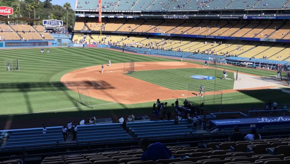 Dodger Stadium,  Vak <strong>C11</strong>, Rij <strong>2</strong>, Stoel <strong>2</strong>
