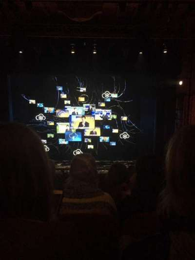 August Wilson Theatre, vak: Center Mezzanine, rij: E, stoel: 106