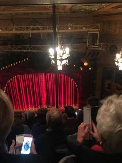 Shubert Theatre, vak: Balcony, rij: J, stoel: 101