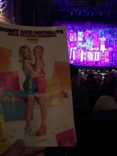 5th Avenue Theatre, vak: Orchestra, rij: M, stoel: 105