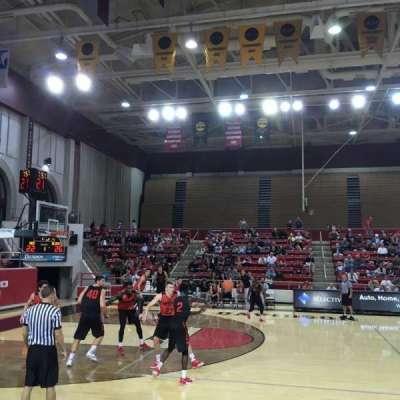John M. Belk Arena, vak: 9, rij: B, stoel: 1