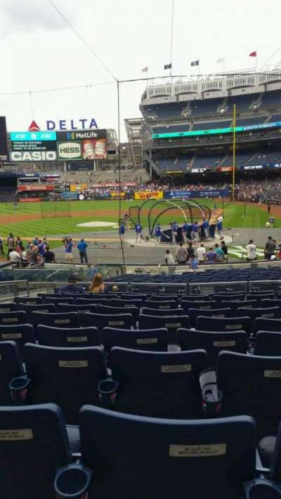 Yankee Stadium, vak: 121B, rij: 10, stoel: 8