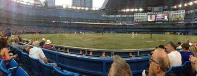 Rogers Centre, vak: 115R, rij: 3, stoel: 10