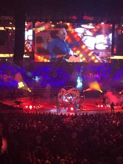 Honda Center, vak: 302, rij: D, stoel: 11