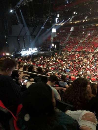 Little Caesars Arena, vak: 120, rij: 17, stoel: 3