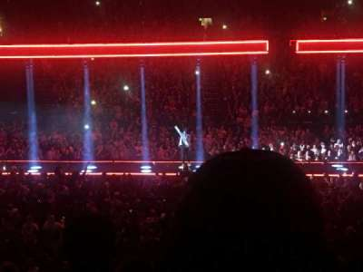 Bridgestone Arena, vak: 114, rij: H, stoel: 4